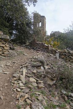 Despoblado medieval de Tou. Torre Cotón o Campanal románico de la Virgen (s. XII)