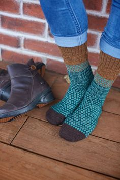 Do your feet a favor, they've earned it! Grab a pair of SmartWool Popcorn Cable Socks. Yes, they look funky, chunky and thoroughly fun. But these socks have a serious side that your feet will appreciate. They're made almost entirely of soft, moisture-wicking, naturally odor-resistant Merino wool - a huge treat for feet.