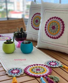 Crochet Table Mat, Crochet Table Runner Pattern, Crochet Edging Patterns, Crochet Mandala Pattern, Crochet Pillow, Baby Knitting Patterns, Crochet Doilies, Crochet Shell Stitch, Filet Crochet