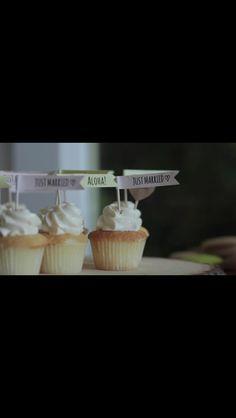 旗つきカップケーキ