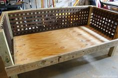 Charming DIY Outdoor Daybed