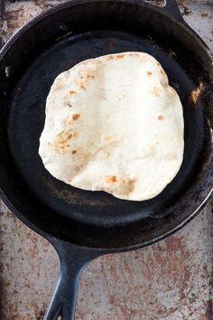 Easy, Homemade, & Yeast-Free Flatbread- just substitute all purpose flower to GF flour. Vegan Milk, Vegan Food, Healthy Food, Healthy Eating, Indian Food Recipes, Vegan Recipes, Slow Cooker Recipes, Cooking Recipes, Vegan Gluten Free