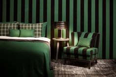 Wie wärs mit einem grün-schwarzen Streifenlook? Definitiv ein Hingucker. Foto: FINE Pink And Green, House Design, Bed, Color, Furniture, Home Decor, Design For Home, Colors, Homes
