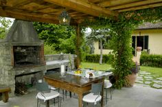 Great place to entertain - rustic.  Villa i Giardini, Tuscany, Italy