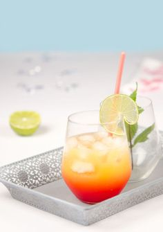 Spicy mango and lime cocktail without alcohol , Refreshing Drinks, Summer Drinks, Cocktail Drinks, Fun Drinks, Cocktail Recipes, Rainbow Cocktail, Alcohol, My Favorite Food, Spicy