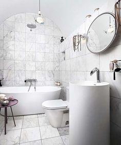 Современный лофт, расположенный в Торонто, Онтарио, Канада, спроектировали и воплотили в жизнь владелец Jayanti Lal и дизайнер Stéphane Chamard