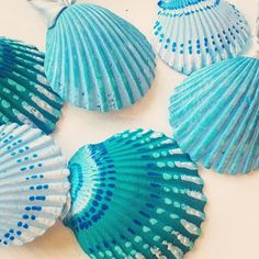 Beach ornaments set of boho hand painted, blue & green or custom color of your choice. Seashell Painting, Seashell Art, Seashell Crafts, Beach Crafts, Painting On Shells, Stone Painting, Beach Ornaments, Shell Ornaments, Hand Painted Ornaments