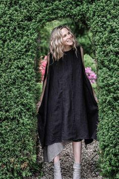 Kiki Smock | Raven Extra Long Ties, Apron Designs, Japanese Aesthetic, China Fashion, Raven, Smocking, Sunday, Collections, Style Inspiration