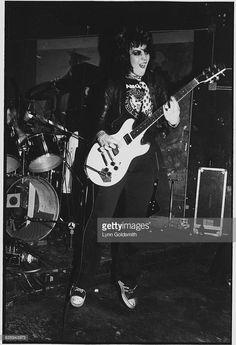 1982 - Joan Jett performing live.