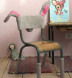 Knitted chair cover (tránsito inicial: FUNDA DE CONEJITO)