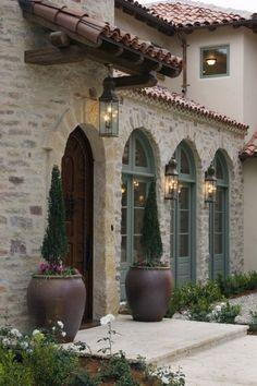Tuscan design – Mediterranean Home Decor Exterior Colors, Exterior Paint, Exterior Design, Door Design, Exterior Homes, Exterior Shutters, Siding Colors, Spanish Style Homes, Spanish House