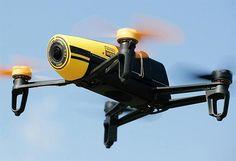 Filmez la terre d'en haut avec le mini-drone Parrot Bebop et sa caméra HD : http://soncadeauoriginal.com/drone-parrot-bebop-camera-hd/