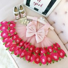Harper Dress in Pink - On SALE! Styled with our Gjergjani 05-03 shoes Shop: http://ift.tt/1YzvewF