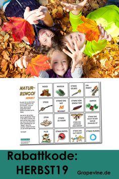 Naturbingo HerbstNaturbingo  zu spielen macht Spaß! Es ist eine lustige kleine Aktivität für Kinder  im Freien - im Wald oder im Park! Diese Bingokarte eignet sich gut im  Wald oder Park während des Herbstes. Bingo, Grape Vines, School Ideas, Halloween, Movies, Movie Posters, Outside Games, Kids Birthday Games, Yard Haunt