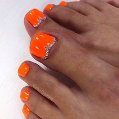 Amazing Toe Nails Designs To Choose In Summer - Nail Art Connect Bright Toe Nails, Orange Toe Nails, Black Toe Nails, Cute Toe Nails, Neon Toe Nails, Best Toe Nail Color, Nail Colors, Toenail Color, Nail Designs