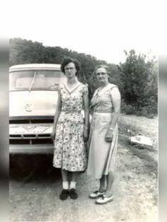 Bernice and Sally Fraley in Sandy Hook, KY