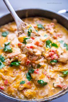 Cheesy chicken and green chile skillet casserole- so delicious and creamy!