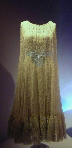 1957 Balenciaga dress