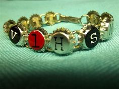 Vintage Jewelry Crafts Rad Bottle Cap Bracelet with Letters - Creative ideas in crafts and upcycled, innovative, repurposed art and home decor. Bottle Cap Bracelet, Bottle Cap Earrings, Bottle Cap Art, Bottle Cap Crafts, Diy Bracelet, Bold Jewelry, Diy Jewelry, Handmade Jewelry, Fashion Jewelry