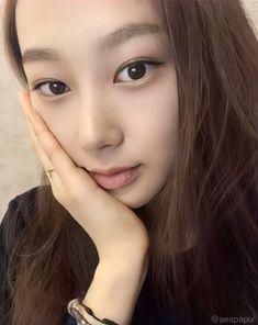 Kpop Girl Groups, Korean Girl Groups, Kpop Girls, Black Mamba, Sm Rookies, Kim Min, Blackpink Jisoo, Gisele, Kpop Aesthetic
