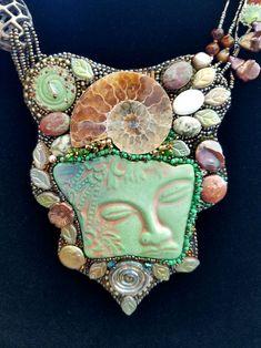 Windward Isle by Sunhi Garber Pendant Jewelry, Beaded Jewelry, Handmade Jewelry, Beaded Necklaces, Bead Embroidery Jewelry, Beaded Embroidery, Ammonite, Ivoire, Jewelry Patterns