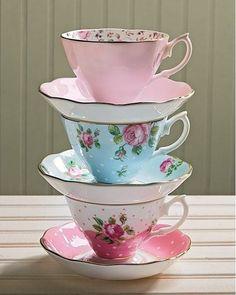 Royal Albert's New Country Roses tea cups. #newcountryroses #royalalbert #teacups #vintagebelle