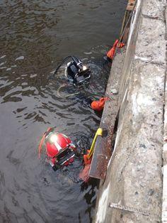 Johny Santiago Kris Hale commercial divers for Black Dog Divers steel jacket installation