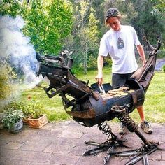 14 Over-The-Top Grills That Take BBQing To The Next Level hot rod grills-unusual-bbq-grill-design-dragon Welding Art, Welding Projects, Welding Tools, Welded Metal Projects, Welding Shop, Welding Ideas, Diy Projects, Bbq Grill, Grilling