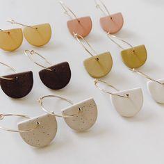 Small Hoop Earrings with Charm - Dainty hoop Earrings - Minimalist Hoops - Get y. Small Hoop Earrings with Charm - Dainty hoop Earrings - Minimalist Hoops - Get yours at at Lulupo De - - . Diy Clay Earrings, Silver Hoop Earrings, Women's Earrings, Dainty Earrings, Diamond Earrings, Pearl Diamond, Silver Hoops, Chandelier Earrings, Diamond Jewelry