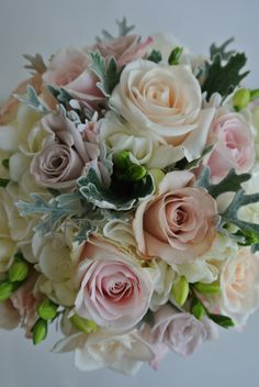 Quicksand Roses, Menta Roses, Vendela Roses, Sweet Avalanche Roses, Freesia, Dusty miller, brides bouquet