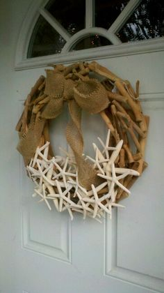 Summer wreath diy - driftwood and starfish