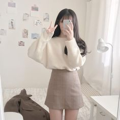 Korean Fashion Trends you can Steal – Designer Fashion Tips Korean Fashion Trends, Korean Street Fashion, Korea Fashion, 80s Fashion, Cute Fashion, Girl Fashion, Fashion Outfits, Fashion Couple, Vintage Fashion