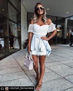 A @micheli_fernandes escolheu o nosso vestido de renda com pom pom Ref. 113900 pra curtir o fim de semana! Ficou lindo demais, né?!? ❤️❤️❤️ #atacado #shelikes #bomretiro #micheli_fernandes #blogger #renda #repost #pompom #inspiração #ootd #lookdodia #instafashion #fashionlover #style #instastyle #verao17 #ss2017 #springsummer #dress #cute #musthave