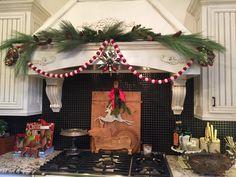 Christmas Vignette Christmas Vignette, Vignettes, Wreaths, Table Decorations, Home Decor, Decoration Home, Door Wreaths, Room Decor, Deco Mesh Wreaths