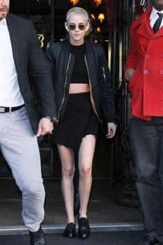 Kristen Stewart Fails to Launch Upon Leaving her Hotel in New York City | Tom + Lorenzo