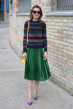 Gucci style green metallic pleated skirt