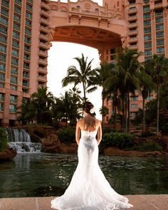 A gorgeous bride at the Atlantis Hotel