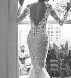 Rochie de mireasa cu maneci din dantela Fabulous Muse RMF4-b