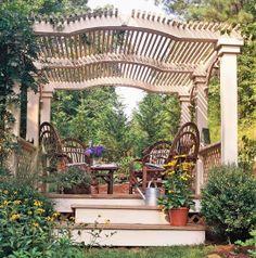 Беседка-навес, украшенная живыми растениями
