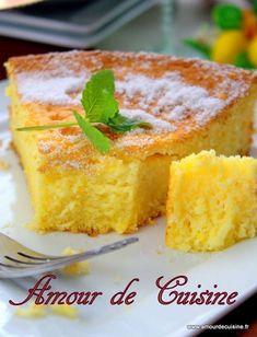cake with lemon - Amour de cuisine - Dessert Recipes Gateau Cake, Bolo Cake, Sweet Recipes, Cake Recipes, Dessert Recipes, Yummy Recipes, Food Tags, Lemon Desserts, Food And Drink