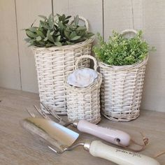 Set of 3 cream willow baskets
