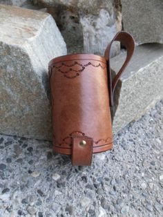 Tooled Leather Water Bottle Belt holster Bottle holder SCA LARP Camping/Party Holster
