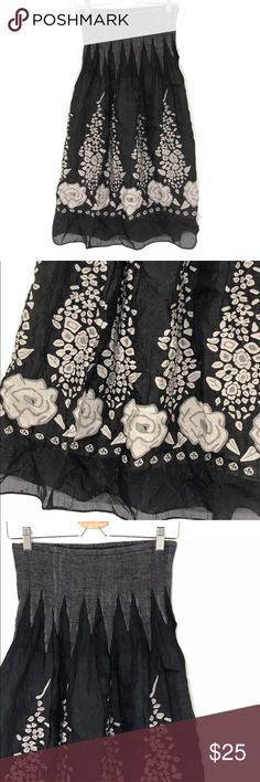 """Lapis Anthropologie Convertible Dress (ALL MEASUREMENTS ARE TAKEN FLAT)  Bust 13"""" Length 32""""  39% POLYESTER  37% RAYON  23% NYLON 1% SPANDEX  One Size Black / Gray  Convertible  Skirt / Dress  Flower Print  In Great Pre-Owned Condition Lapis Dresses Strapless"""
