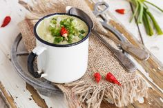 Creamy Cold Vegetables Soup with Peppers and Chili ⋆ thanos Moscow Mule Mugs, Chili, Soup, Stuffed Peppers, Vegetables, Tableware, Recipes, Dinnerware, Chile