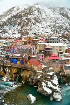 """""""Badrinath Temple, also called Badrinarayan Temple, is a Hindu temple dedicated to Vishnu which is situated in the town of Badrinath in Uttarakhand, India."""" (you can see it here as the colorful. Places Around The World, Around The Worlds, Voyager C'est Vivre, Taj Mahal, Amazing India, Hindu Temple, India Travel, Pilgrimage, Photos"""