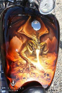 Dragon flame breathing over skulls Custom Paint Motorcycle, Motorcycle Tank, Airbrush Designs, Airbrush Art, Air Brush Painting, Car Painting, Moto Fest, Custom Tanks, Custom Bikes