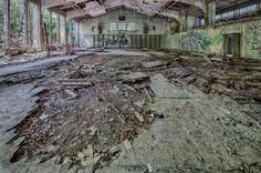 """Victoria Barracks - eine verlassene britische und kanadische Kaserne, auch bekannt als """"Fort Louis"""" oder """"Fort Victoria"""". Ein Lost Place mitten in NRW, welcher es richtig in sich hat!    Dieser verlassene Ort, auch Lost Place, ist ziemlich gro� und h"""