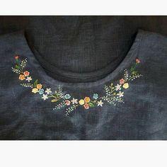 Embroidery idea on plain top Embroidery idea on plain top...  #Embroidery #idea #plain