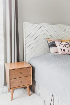 We made this DIY herringbone headboard and couldn't love it more! We stained it dark, painted it white, distressed it, and finished it with polyacrylic. Diy King Headboard, Girls Headboard, Bed Headboard Design, White Headboard, Wood Headboard, Headboards For Beds Diy, Modern Headboard, Headboard Ideas, Herringbone Headboard