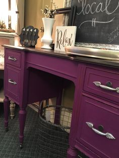 UMMMM THIS PURPLE DESK IS AMAZING. {Desk painted using Junk Gypsy Paint in Hippie HIghway}